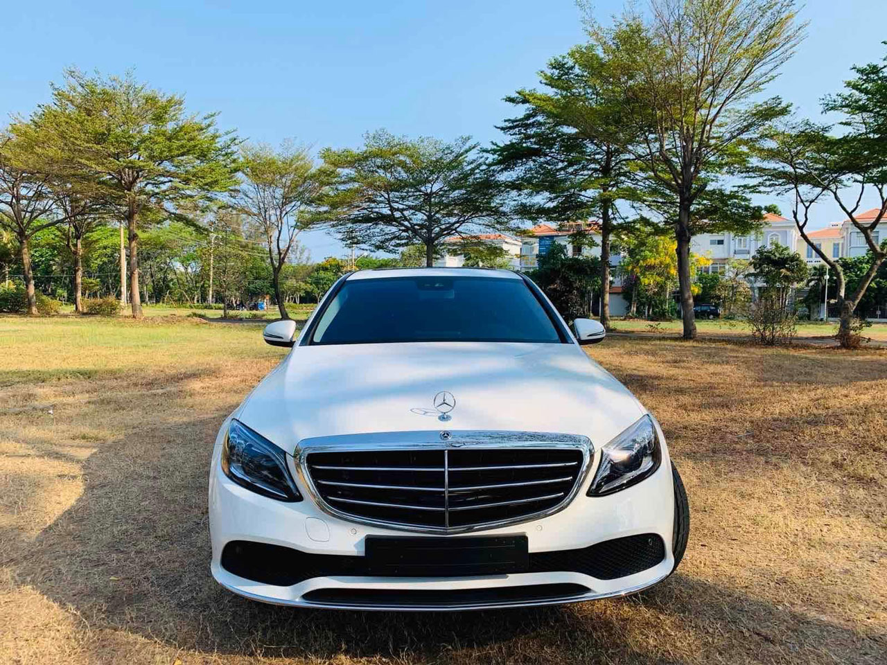 mercedes c200 exclusive ngoai that 2