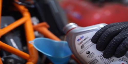 Vai trò của dầu động cơ với xe máy