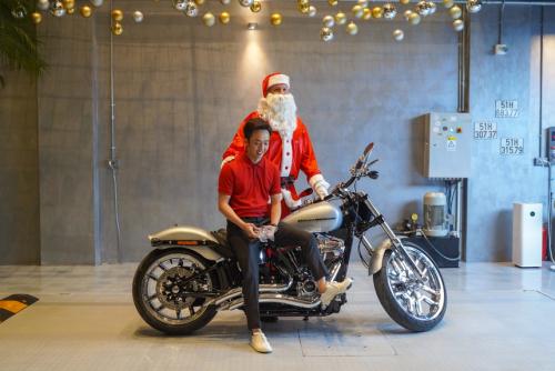 Cường Đô La mua Harley-Davidson hàng độc giá gần 2 tỷ đồng