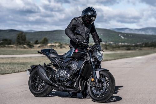 Chi tiết Honda CB1000R Black Edition 2021