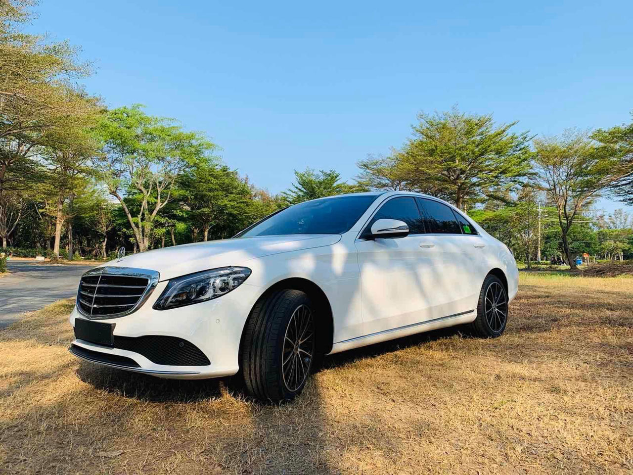 mercedes c200 exclusive ngoai that 1