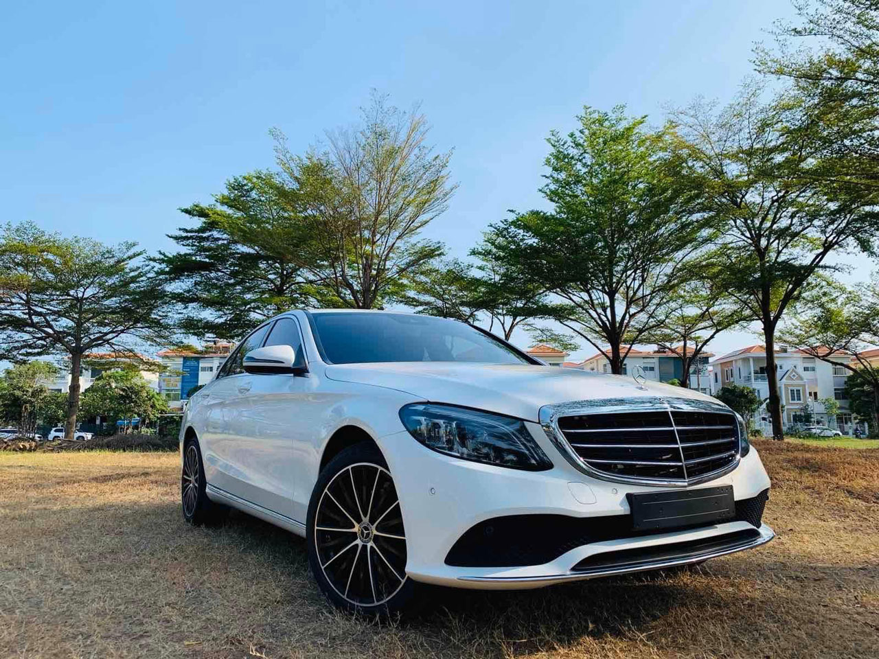 mercedes c200 exclusive ngoai that 3