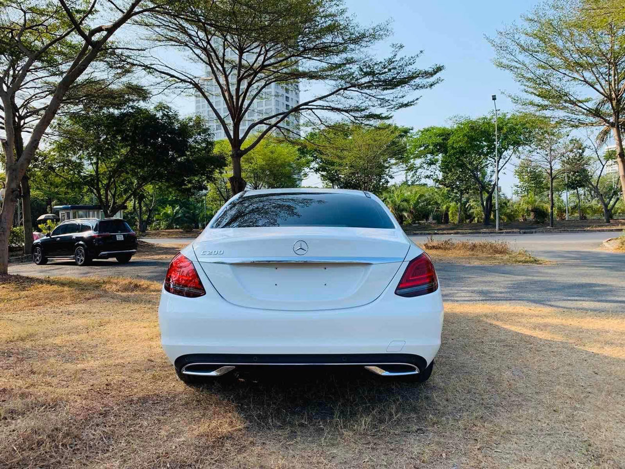 mercedes c200 exclusive ngoai that 4