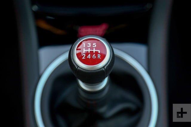 7 điều cần ghi nhớ để lái xe số sàn mượt mà, hiệu quả
